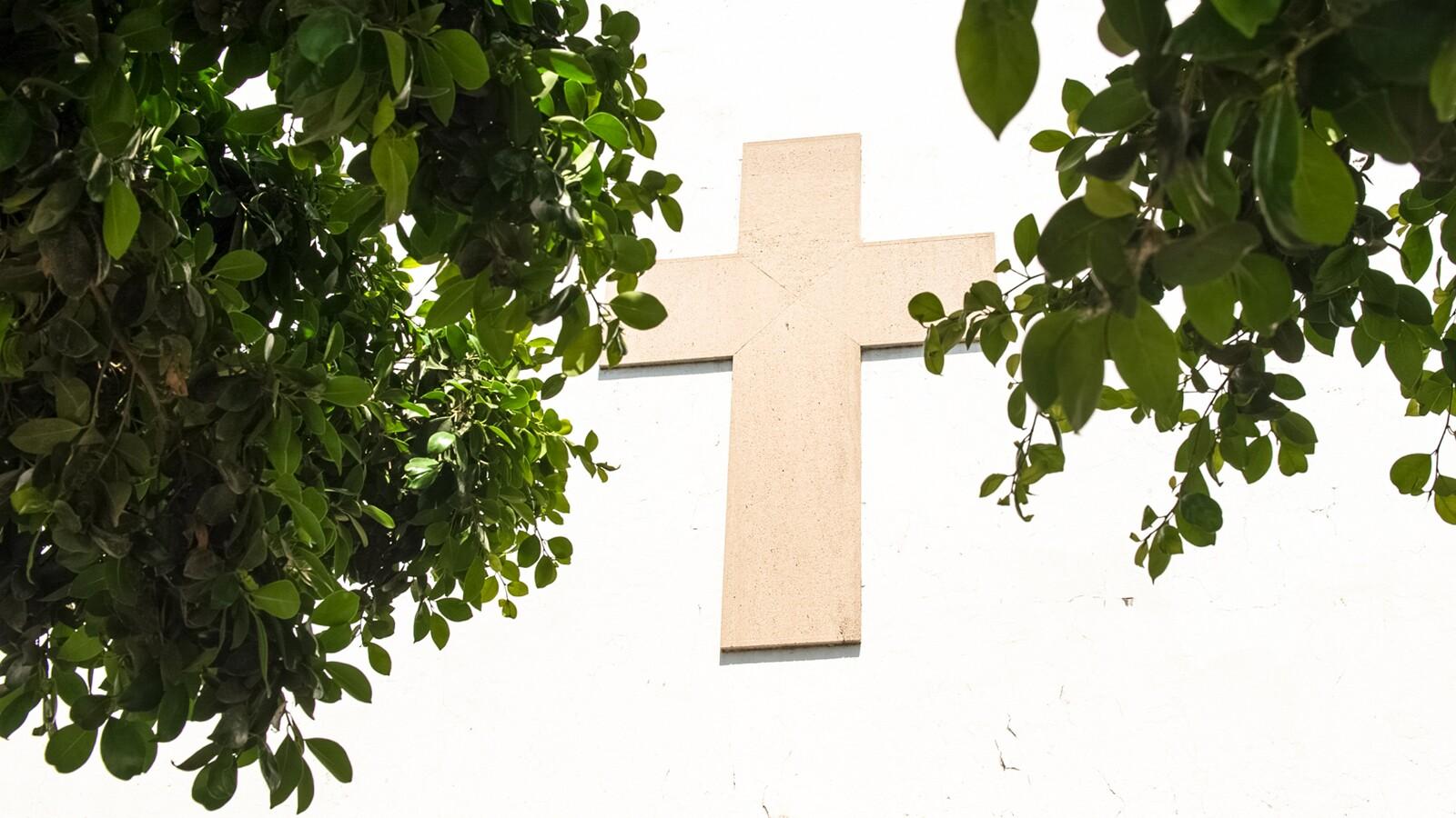 28 août 2016 à Casablanca. Le Temple protestant de la paroisse de Casablanca de l'Eglise evangelique du Maroc. Un lieu très fréquenté par les communautés protestantes étrangères, les Marocains préférant faire profil bas et prier dans des secret churchs installées dans des lieux privés. DAVID RODRIGUES / LE DESK