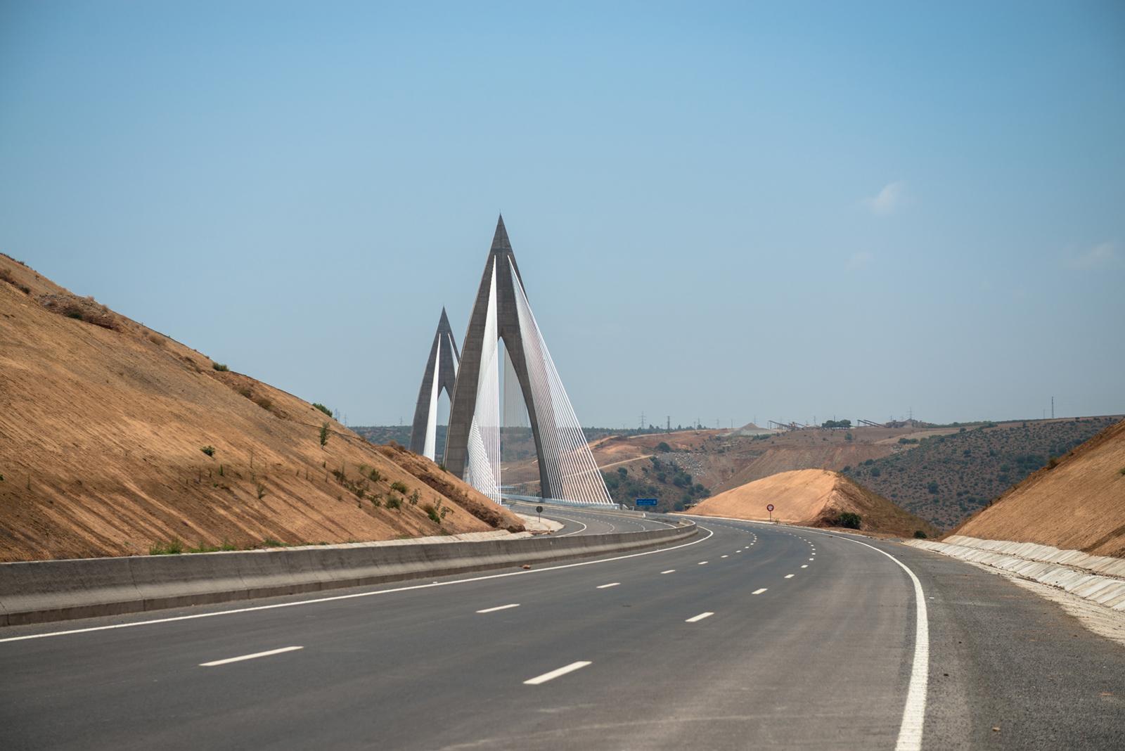 Le maroc se dote de son premier pont haubané lun des plus longs d
