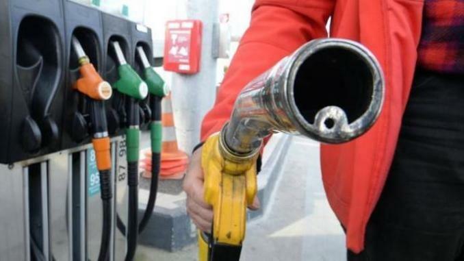 L'Algérie envisage d'arrêter de subventionner l'essence dès 2019