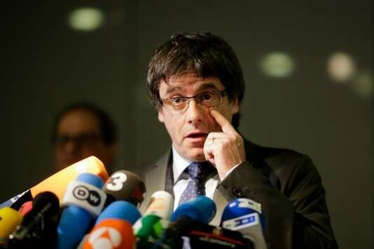 Carles Puigdemont en appel de son renvoi vers l'Espagne — Catalogne